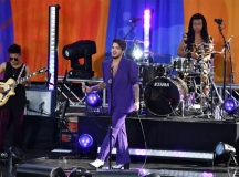 Adam-Lambert-065