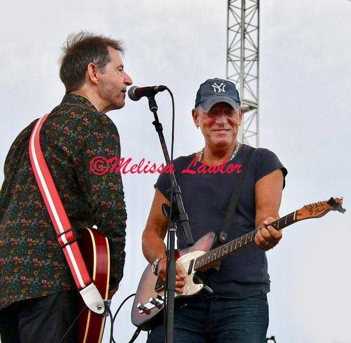 Garry-Tallent-and-Bruce-Springsteen-004