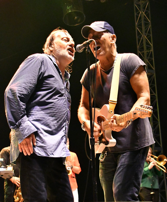 Southside-Johnny-and-Bruce-Springsteen-007