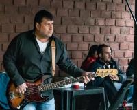 Claudio Javier Aguero: Bass