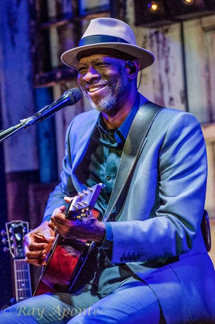 Keb Mo and Jontavious Willis